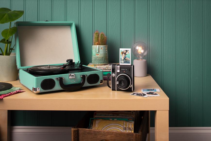 Fujifilm Instax mini 40, černá